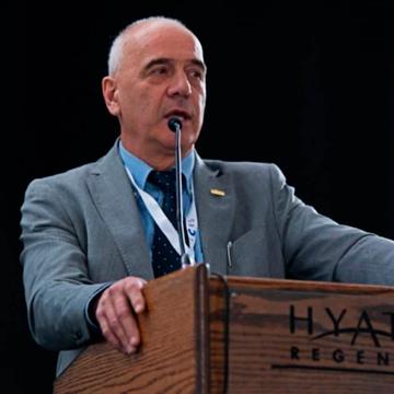 Dr. Alberto Gobbi